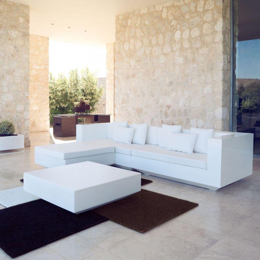 Oferta sof 3 plazas de dise o moderno vela vondom for Muebles exterior diseno moderno